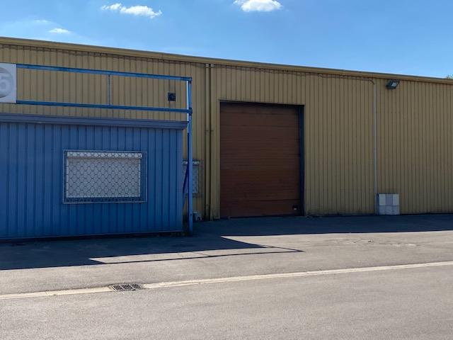 Local industriel - 400 m2