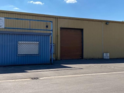 Local industriel - 400 m2 1/3